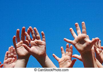 weinig; niet zo(veel), handen