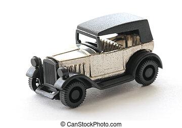 weinig; niet zo(veel), speelgoedauto