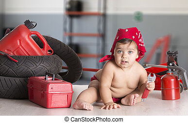 weinig; niet zo(veel), workshop, meisje, mechanisch
