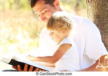 weinig; niet zo(veel), zijn, dochter, vader, jonge, lezen, bijbel