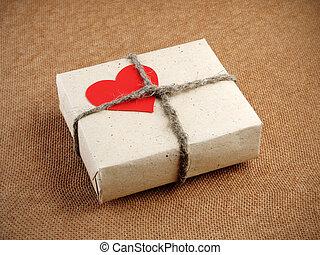 weinlese, valentinestag, geschenkschachtel