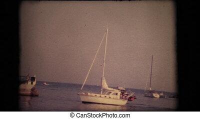 wejście, rocznik wina, 8mm., sanremo, łódki, port