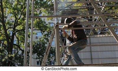 Weld Steel Beam Construction - Weld steel beam construction...