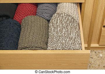 well-organized, bois, ouvrir tiroir