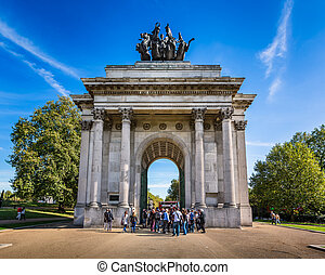 Wellington Arch, aka Constitution Arch or the Green Park...
