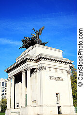 Wellington Arch - Quadriga placed upon Wellington Arch...