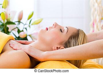 wellness, -, donna, prendere, dirigere massaggio, in, terme
