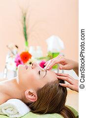 wellness, -, kobieta, dostając, głowa masują, w, zdrój