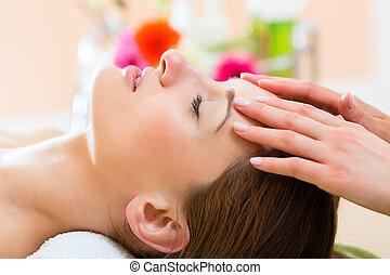 wellness, -, kvinde, fik, hovede massage, ind, kurbad