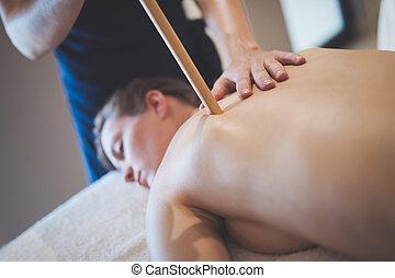 wellness, masseuse, masseur, masser, recours