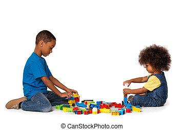 wenig, afrikanisch, kinder, spielende , mit, lose, von, bunte, plastikblöcke, indoor., freigestellt