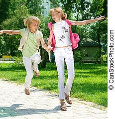 wenig, gehen, glücklich, school., mädels, begriff, bildung