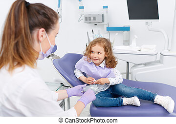 wenig, stuhl, zahnarzt, m�dchen, besuchen