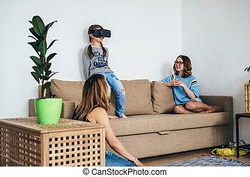 wenig, virtuelle wirklichkeit, spiel, kind, m�dchen, spielende , brille