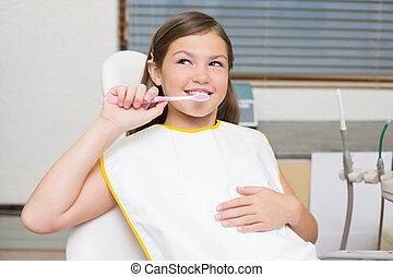 wenig, zahnbürste, m�dchen, besitz, zahnärzte sitzen