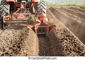 werkende , agriculture., terrein, voorbereiding, akker, tractor