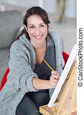 werkende , kunstenaar, helder, daglicht, studio, vrouwlijk, schilderij