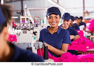 werkende , naaiwerk, fabriek, afrikaan, machinist, kleding