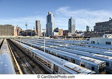 west, bovenkant, train yard