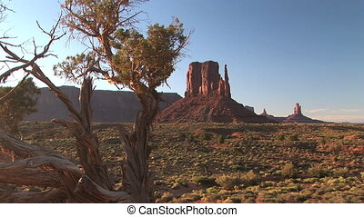 Monument Valley - West Mitten Butte, Monument Valley Navajo...