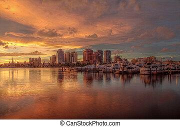West Palm Beach Skyline in HD