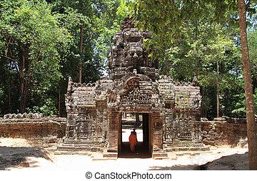 Western gopuram at Ta Som in Angkor