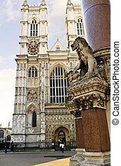 Westminster Abbey - Front facade of Westminster Abbey in...