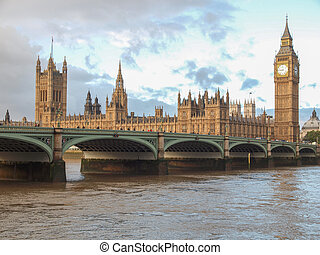 Westminster Bridge panorama with the Houses of Parliament ...