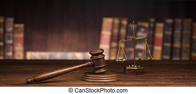 wet, en, justitie, concept, bruine , houten, achtergrond