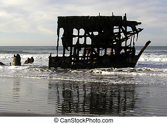 Wet Shipwreck - This is the wreck of the Peter Iredale,...