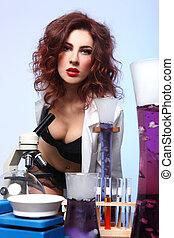 wetenschap, student, in, sexy, kleding, het experimenteren