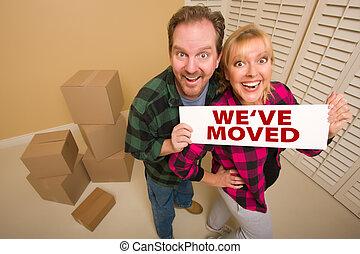 we've, coppia, circondato, mosso, segno, scatole, goofy, presa a terra