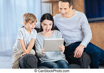 wezen, verwonderd, video, jonge familie