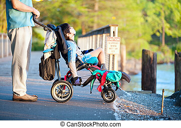 wheelchair, vader, zoon, invalide, park, ondergaande zon , het genieten van