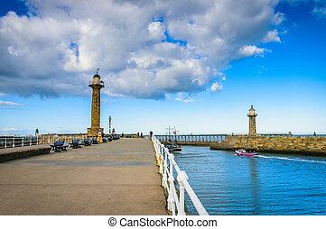 whitby, cais, em, a, porto, entrada, em, whitby, em, yorkshire norte, reino unido