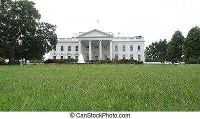 white épület
