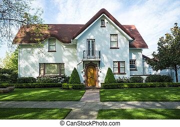 White American craftsman stucco house