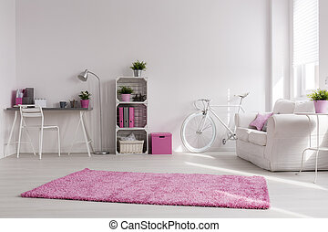 White and pink spacious studio - Spacious stylish studio...