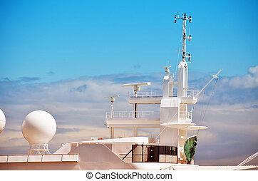 antennas and radar of a luxury yacht