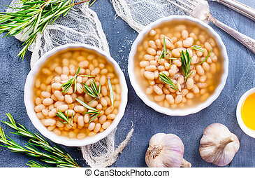 white bean with sauce in the bowl