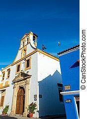 White Colonial Church