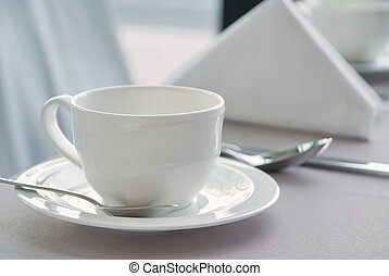 White cup 2