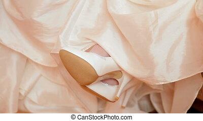 white esküvő, cipők