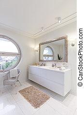 White glossy bathroom - Spacious bathroom with new white ...