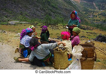 White Hmong women's group at the lu - Hmong women's group...