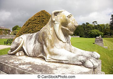 white lion sculpture