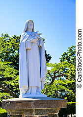 White Maria statue with blue sky3