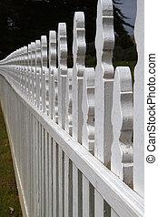 White Picket fence larger dof
