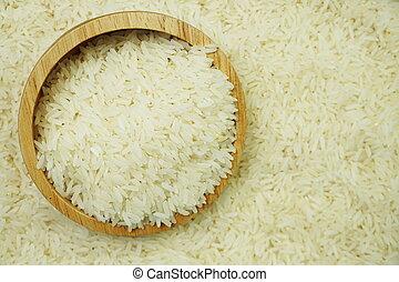 white raw Thai jasmine rice