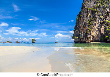 White sand and turquoise sea on the beach in Railay. Thai Krabi province.